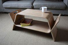 Móvel com encaixes multifuncional: vira banco, prateleira ou mesa