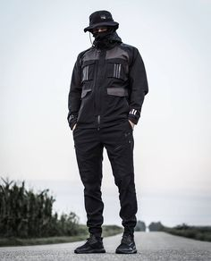 Pin by Zayd Dinaully on TechWear in 2019 | Shoes, Nike shoes