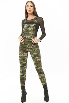 Shop Forever wide range of women's bottoms - pants, skirts, shorts, leggings, jeans and more! Find everything from palazzo pants to skinny denim here. Camo Pants Outfit, Jumper Outfit, Overalls Outfit, Camouflage Jeans, Denim Shop, Camo Print, Skinny, Casual, Winter Outfits