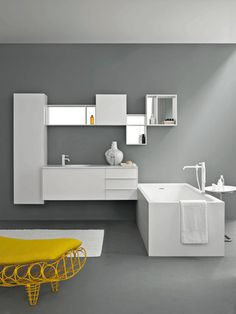 Morphing complements | Kos Bathroom Cabinet and Tub
