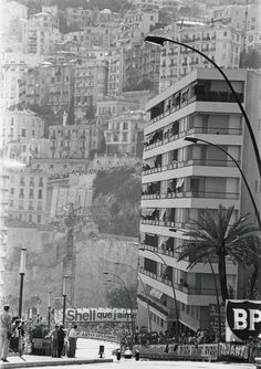 Spectators watch the action during the 1964 Monaco Grand Prix at the Circuit de Monaco on May 10, 1964 in Monte Carlo