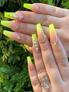 Keep your nails designs look like more interesting and hot with these amazing neon yellow nails patterns in This trendy nail design is fantastic for fashionable ladies to wear in summer season for modern hands look. Neon Yellow Nails, Neon Nail Art, Yellow Nails Design, Yellow Nail Art, Neon Nails, Gold Nails, Pink Nails, Fancy Nails, Best Acrylic Nails