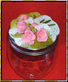 Rosas em biscuit.