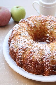This Jewish Apple Cake Recipe is the most delicious Apple cake you will ever have. Grated Apples, Cinnamon baked in a bundt pan. Incredibly moist too. Köstliche Desserts, Delicious Desserts, Dessert Recipes, Cookie Recipes, Jewish Desserts, Pie Dessert, Food Cakes, Cupcake Cakes, Cupcakes