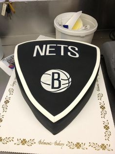 brooklyn nets cake - Tree instead and more like his actual logo