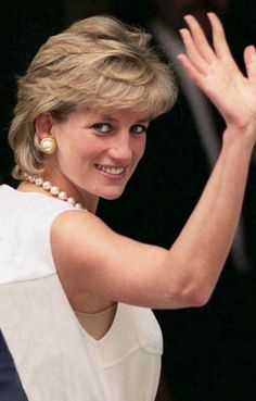 Lady Diana Spencer, wife of Prince Charles Lady Diana Spencer, Spencer Family, John Spencer, Princess Diana Family, Princess Of Wales, Diana Fashion, Diane, British Royals, Queen Elizabeth