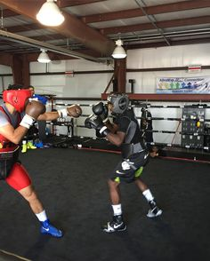 @tbudcrawford and Marquez sparring at camp. When you train at #triplethreatgym you receive Grade A Training with world class athletes and coaches....this is what sets you apart from everyone else trying to do the same thing.....#highaltitude  #makeadifference #bethedifference #learnsomethingnew #boxing #worldwideexperience #hardwork #dedication #noonedoesitlikewedo #teamcrawford #athlete #champion