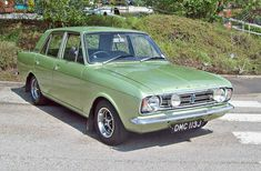 Ford Cortina Mk.II 1600E (1970). Maintenance/restoration of old/vintage vehicles: the material for new cogs/casters/gears/pads could be cast polyamide which I (Cast polyamide) can produce. My contact: tatjana.alic@windowslive.com