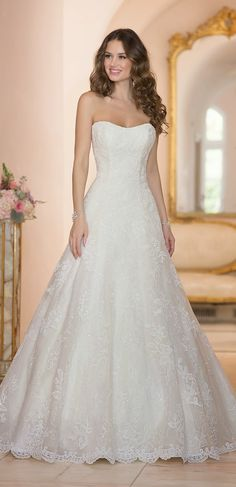 I just love the way this gown twinkles! Stella York Spring 2015 Bridal Collection