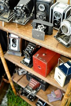 I love old cameras! I would have FREAKED, If I was Lucky enough to come across these Vintage Cameras :-( !!! So jealous! Lol. I want them ALL!!!