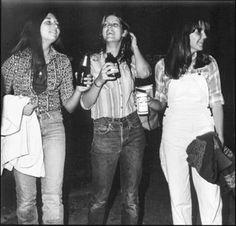 The Photography of Joseph Szabo: Almost Grown and Teenage Robert Frank, High School Fashion, Jones Beach, 70s Aesthetic, Seventies Fashion, Poses, Moda Fashion, Rock Style, Lady