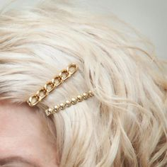DIY Bobby Pins – Add some sparkle to your 'do' with these DIY Bobby Pins. Step by step DIY tutorial with photos will show you how you can easily create your own.