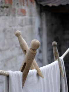 Linen on the washing line. Laundry Lines, Laundry Room, Laundry Art, Laundry Pegs, Fee Du Logis, What A Nice Day, Call The Midwife, Laundry Drying, Vintage Laundry