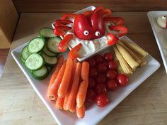 Rohkostplatte mit Paprika-Octopus für die Meeresparty zu Zoes 6. Geburtstag