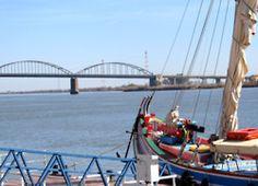 Barco Varino Liberdade e Ponte de Vila Franca de Xira