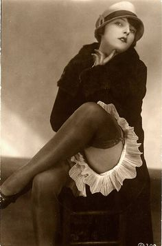 Vintage postcard of a classically sexy flapper