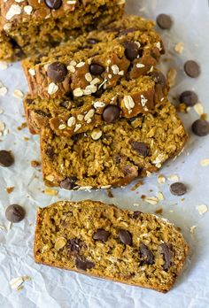 The most moist and flavorful Pumpkin Chocolate Chip Bread. This healthy pumpkin bread is whole wheat and made with coconut oil, but tastes phenomenal! @WellPlated
