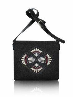 Filcowa torebka z haftem i paskiem Destiny Goshico