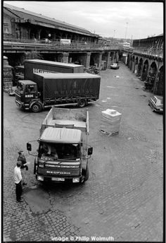 Delivery lorries servicing the many small businesses based in King's Cross Goods Yard, London Camden London, Old London, North London, Victorian Photography, Old Train Station, London History, British Rail, London Photos, Old Pictures