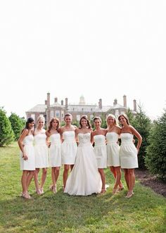 white bridesmaid dresses... Idk why but I loves it