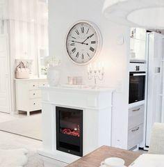 Afternoon 🕑 Rauhallinen iltapäivä kotona. ♡ #home #koti #hem #iltapäivä #afternoon #sisustustakka #fireplace