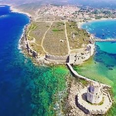Methoni #methoni#castle#greece #hellas #grecia #holidays #travel #trip #destination #vacation #voyage #traveler #traveling #aroundtheworld #traveltheworld #beautiful #view #cyclades #island #paradise #heaven #mykonos #santorini #summer #2k18 #manganari #beach