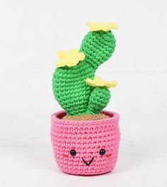 Do you want to have some beautiful cactus which never needs watering and never dies? You can crochet some with Desert Cactus Amigurumi Crochet Patterns. Crochet Amigurumi Free Patterns, Crochet Toys, Free Crochet, Crochet Cactus, Crochet Flowers, Bunny Blanket, Crochet Dragon, Crochet Designs, Blog