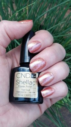Shellac pigment effects nails