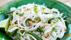 Receta | Noodles de judías verdes y cacachuetes (Green bean peanut noodles) - canalcocina.es