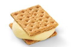 Pudding Grahamwiches by Kraft Recipes.    All it takes is some JELL-O Instant Pudding, COOL WHIP, PHILADELPHIA Cream Cheese, and graham crackers. Frozen Desserts, Frozen Treats, Just Desserts, Delicious Desserts, Yummy Food, Baking Desserts, Pudding Desserts, Dessert Recipes, Dessert Ideas