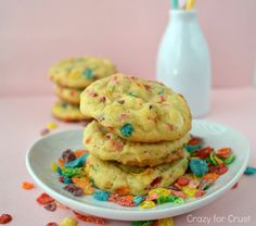 These Fruity Pebble Pudding Cookies are my favorite - vanilla and white chocolate filled with Fruity Pebble flavor!