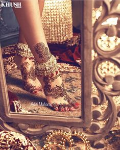 Zonera Shah :: Khush Mag - Asian wedding magazine for every bride and groom planning their Big Day Mehndi Designs Feet, Anklet Designs, Unique Mehndi Designs, Bridal Mehndi Designs, Indian Bridal Outfits, Indian Bridal Fashion, Indian Wedding Jewelry, Bridal Jewellery, Mehendi Photography