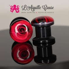 Plug en acrylique se fermant en vissage interne représentant des roses