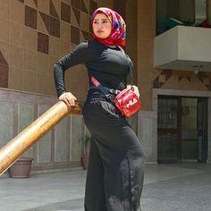 #jilboob #jilbabmontok #sexyhijab #hijabers #beautyhijabers #hothijabi #hijabercantik #hijabootd #jilbabketat #hijabstyle #hijaboutfit #jilbabmantap #jilbabsexy Arab Girls Hijab, Girl Hijab, Muslim Girls, Beautiful Arab Women, Beautiful Hijab, Beautiful Asian Girls, Muslim Fashion, Hijab Fashion, Women's Fashion