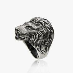 Silver Lannister ring by Aristocrazy http://cuchurutu.blogspot.com.es/2014/04/game-of-thrones-fashion-ha-vuelto.html