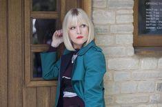 Agatha Raisin: Acorn TV Premieres Quirky Brit Dramedy Mystery Series in the US – The British TV Place Agatha Raisin Series, Ashley Jensen, Art House Movies, Urban Movies, Ugly Betty, Mystery Series, Series 3, Me As A Girlfriend, Acorn