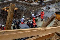 2014-07-30 Zwei Arbeiter in Baugrube verschüttet