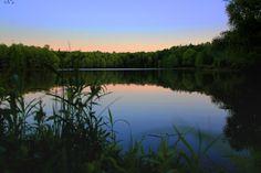 Sunset on the lake by Danielle Andrew http://whurrledpeas.deviantart.com/