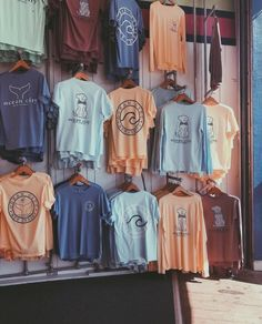 life is good shirts vsco - shirts vsco & shirts vsco girl & life is good shirts vsco & vsco shirts to buy & vsco tie dye shirts & vsco tee shirts & cute vsco shirts & vsco girl t shirts Surfergirl Style, Jugend Mode Outfits, Tumblr Outfits, Teen Fashion Outfits, Cute Casual Outfits, Lazy Outfits, Sporty Outfits, Casual Shoes, Cute Shirts