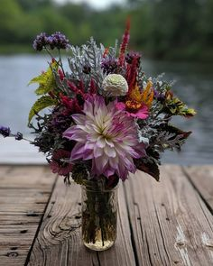 Flowers for my mom's birthday! Happy Birthday Mom, Flower Arrangements, Flowers, Plants, Floral Arrangements, Plant, Royal Icing Flowers, Flower, Florals