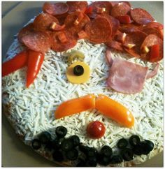 Get kids to eat new veggies by making fun foods - like this pirate pizza with tomatoes, peppers, olives, and celery! Cute Food, Good Food, Pirate Party, Pirate Theme, National Pizza, Pizza And More, Pizza Day, Snack Recipes, Snacks