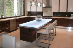 How Glass Is Revolutionizing Kitchen Countertops (8)