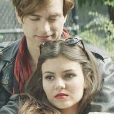 Get an Exclusive Look at Victoria Justice's Modern Romantic Comedy, Naomi and Ely's No Kiss List