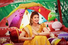 Photographer - The Bride Divyanka! Photos, Hindu Culture, Beige Color, Decoration, Bridal Makeup, Antique Jewellery pictures, images, WeddingPlz