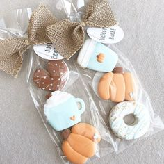 ☝🏽Welcome Back/Just Because mini cookie sets! These are just the cutest thanks so much for sharing! Fall Decorated Cookies, Fall Cookies, Mini Cookies, Iced Cookies, Cute Cookies, Royal Icing Cookies, Cookie Icing, Cupcake Cookies, Sugar Cookies