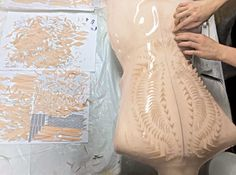 Designer Iris van Herpen Makes Couture Dresses From a Printer - Preen. Iris Van Herpen, Dragon Skin, Ralph & Russo, The New Wave, Fashion Art, Fashion Design, Fabric Manipulation, Textile Design, Dressmaking