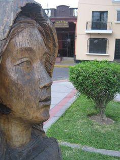 Estatua de la Virgen María, esta imagen fue diseñada por orden de la parroquia Santa María Magdalena y con apoyo de la municipalidad de Pueblo Libre pudo ser desarrollada.
