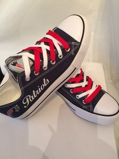 New England patriots women's tennis shoes please by Sportzfanatics.I want these shoes! Best Football Team, Football Girls, Football Season, Patriots Team, New England Patriots Football, Go Pats, Patriotic Outfit, Tom Brady, My Style