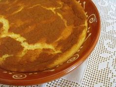 Sericaia, or Portuguese Egg Pudding, is a very old and traditional recipe from the region of Alentejo in Portugal. My Recipes, Sweet Recipes, Dessert Recipes, Cooking Recipes, Favorite Recipes, Portuguese Desserts, Portuguese Recipes, Portuguese Food, Spanish Recipes