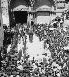 (Kudüs'de Osmanlı Askerlerinin Koruması Altında Kamame Kilisesinde Ortadoks Ayini, Filistin, 1890'lar)